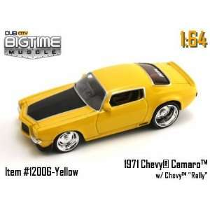 Big Time Muscle Yellow 71 Chevy Camaro 164 Die Cast Car Toys & Games