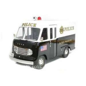 1950 Ford Step Van Police Wagon 1/24 Black & White Toys & Games