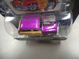 Muscle Machines Die Cast Collectible Car 1950 50 Ford Woody Purple 1